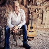 Tommy Emmanuel with very special guest Andy McKee foto