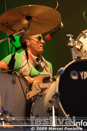 The Ting Tings op Bevrijdingsfestival Groningen 2009 foto