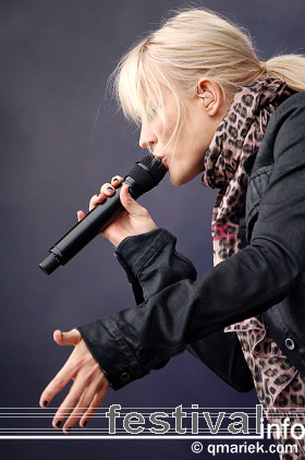 Foto Ilse DeLange op Bevrijdingsfestival Overijssel 2009