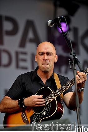 Ed Kowalczyk op Parkpop 2009 foto