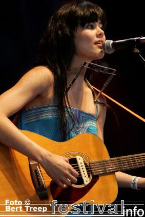 Priscilla Ahn op Rock Werchter 2009 foto