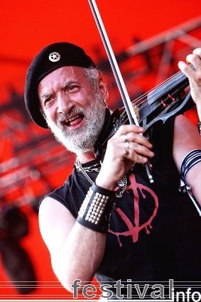 Gogol Bordello op Roskilde 2009 foto