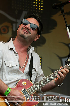 Fun Lovin' Criminals op Bospop 2009 foto