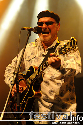 Paul Carrack op Bospop 2009 foto