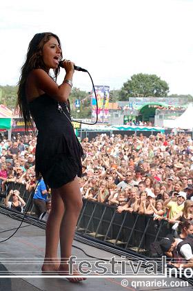 Gabriella Cilmi op Zwarte Cross 2009 foto