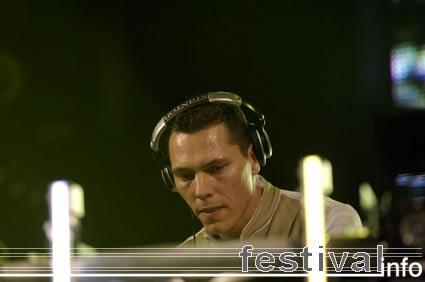 Tiësto op Dauwpop 2005 foto