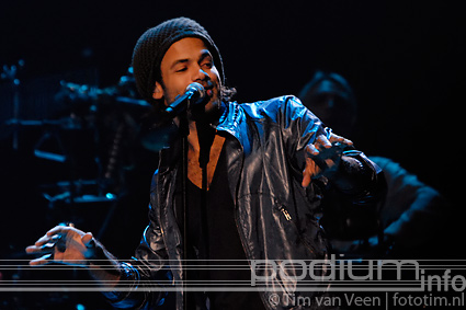Alain Clark op Symphonica in Rosso Presents: Diana Ross - 16/10 - Gelredome foto