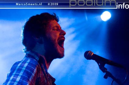 Foto Dan Mangan op Laura Jansen - 6/12 - Effenaar