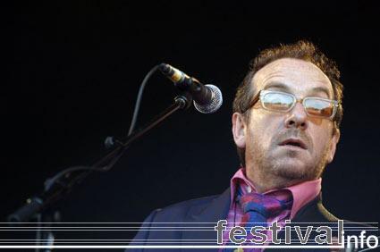 Foto Elvis Costello op Parkpop 2005