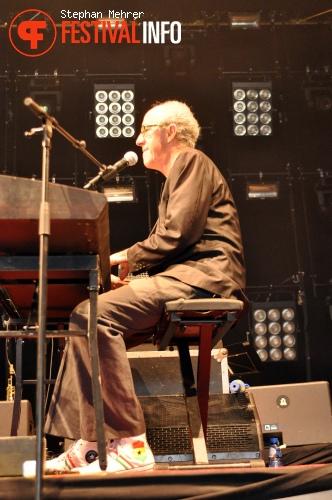 Raymond van het Groenewoud op Retropop 2010 foto
