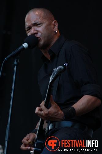 Danko Jones op Parkpop 2010 foto
