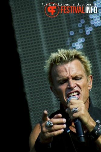 Billy Idol op Bospop 2010 foto