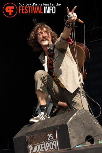 Gogol Bordello op Pukkelpop 2010 foto