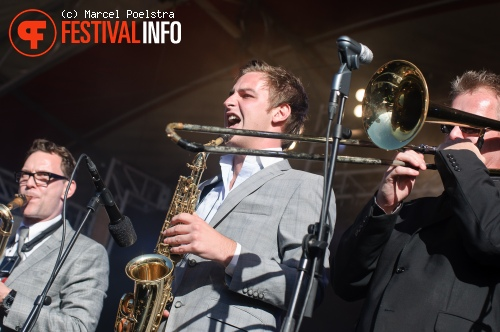 New Cool Collective & Typhoon op Into The Great Wide Open 2010 foto