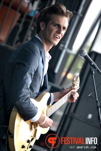Handsome Poets op Bevrijdingsfestival Overijssel 2011 foto