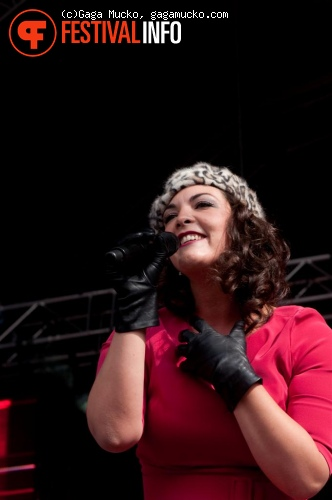 Caro Emerald op Indian Summer Festival 2011 foto