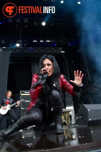Lacuna Coil op Graspop Metal Meeting 2011 foto