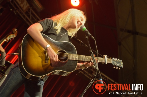 Laura Marling op Into The Great Wide Open 2011 foto