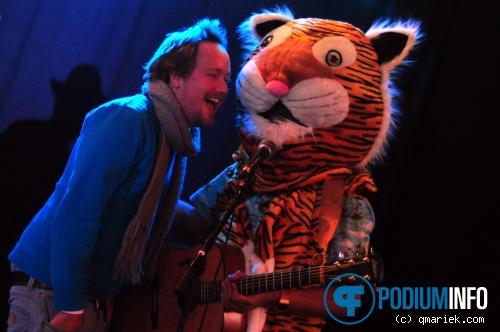 Paper Tiger op Wouter Hamel - 08/10 - Metropool foto