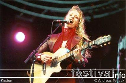 Foto Kirsten op Bevrijdingspop 2002 Foto's
