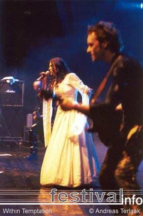 Foto Within Temptation op Bevrijdingspop 2002 Foto's