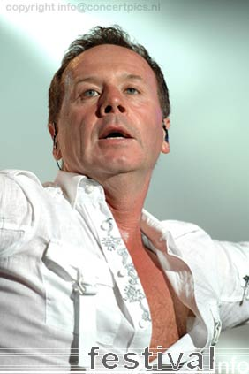 Simple Minds op Bospop 2006 foto