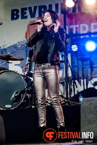 Rachèl Louise op Bevrijdingsfestival Utrecht foto