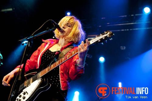 Bettie Serveert op Dauwpop 2012 foto