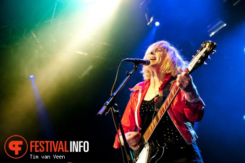 Foto Bettie Serveert op Dauwpop 2012
