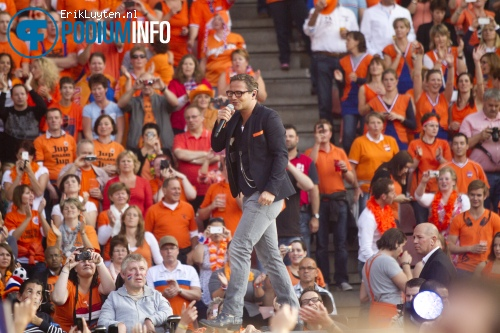 Guus Meeuwis op Guus Meeuwis - 17/6 - Philips Stadion foto