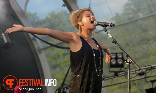 Selah Sue op Rockin Park 2012 foto