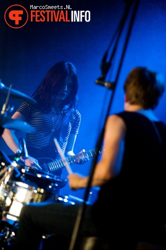 Blood Red Shoes op Huntenpop 2012 foto