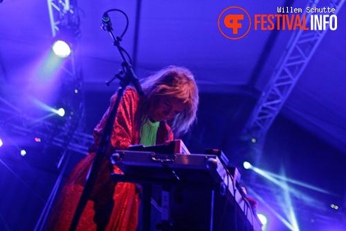 Niki & the Dove op MS Dockville Festival 2012 foto