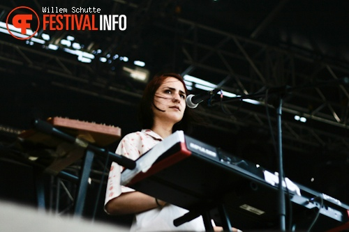 Micachu & the Shapes op MS Dockville Festival 2012 foto