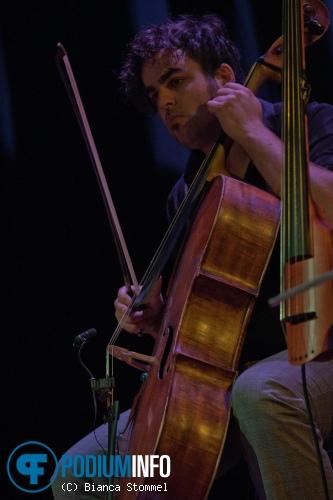 Foto Janne Schra op Janne Schra - 19/10 - Muziekgebouw Eindhoven