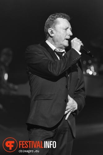 Foto John Miles op Night of The Proms 2012