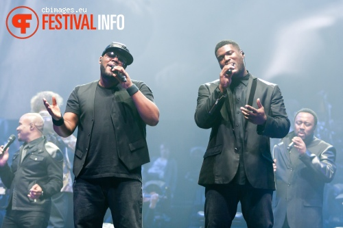 Naturally 7 op Night of The Proms 2012 foto