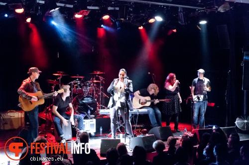 Foto Lisa Lois op Allen Stone - 26/11 - Melkweg