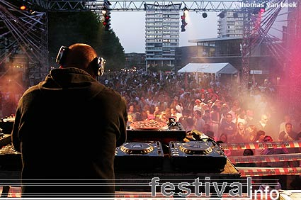 Foto DJ Remy op The City is Ours 2006