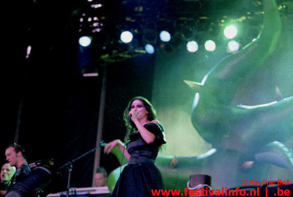 Foto Within Temptation op Wâldrock 2002
