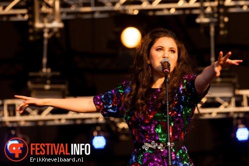 Foto Karsu op Bevrijdingsfestival Overijssel 2013
