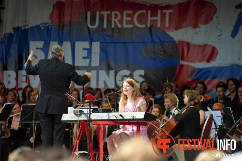 Roos Rebergen op Bevrijdingsfestival Utrecht 2013 foto