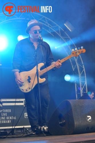 Foto The Asteroids Galaxy Tour op Parkfeest Oosterhout 2013
