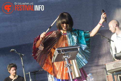 Foto Bat For Lashes op Field Day London 2013