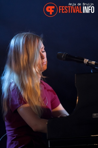 Agnes Obel op Best Kept Secret 2013 foto