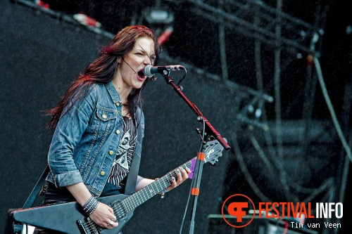 Foto Crucified Barbara op Graspop Metal Meeting 2013
