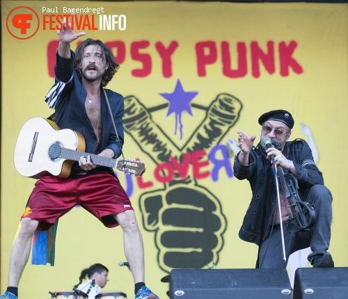 Gogol Bordello op Rock Werchter 2013 - dag 4 foto