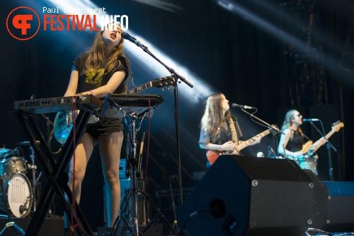Haim op Rock Werchter 2013 - dag 4 foto