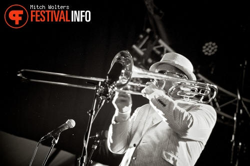 Foto Fat Freddy's Drop op PITCH 2013 - dag 1