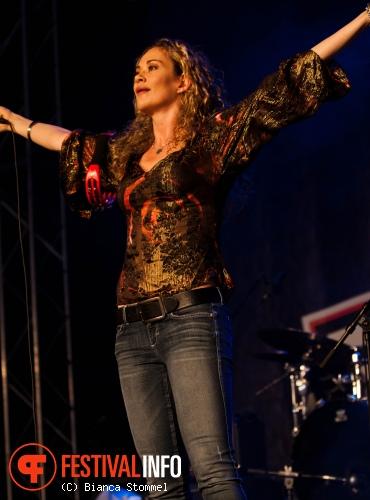 Dana Fuchs op Bospop 2013 foto